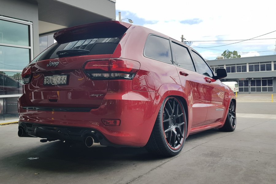 JEEP SRT ON 22